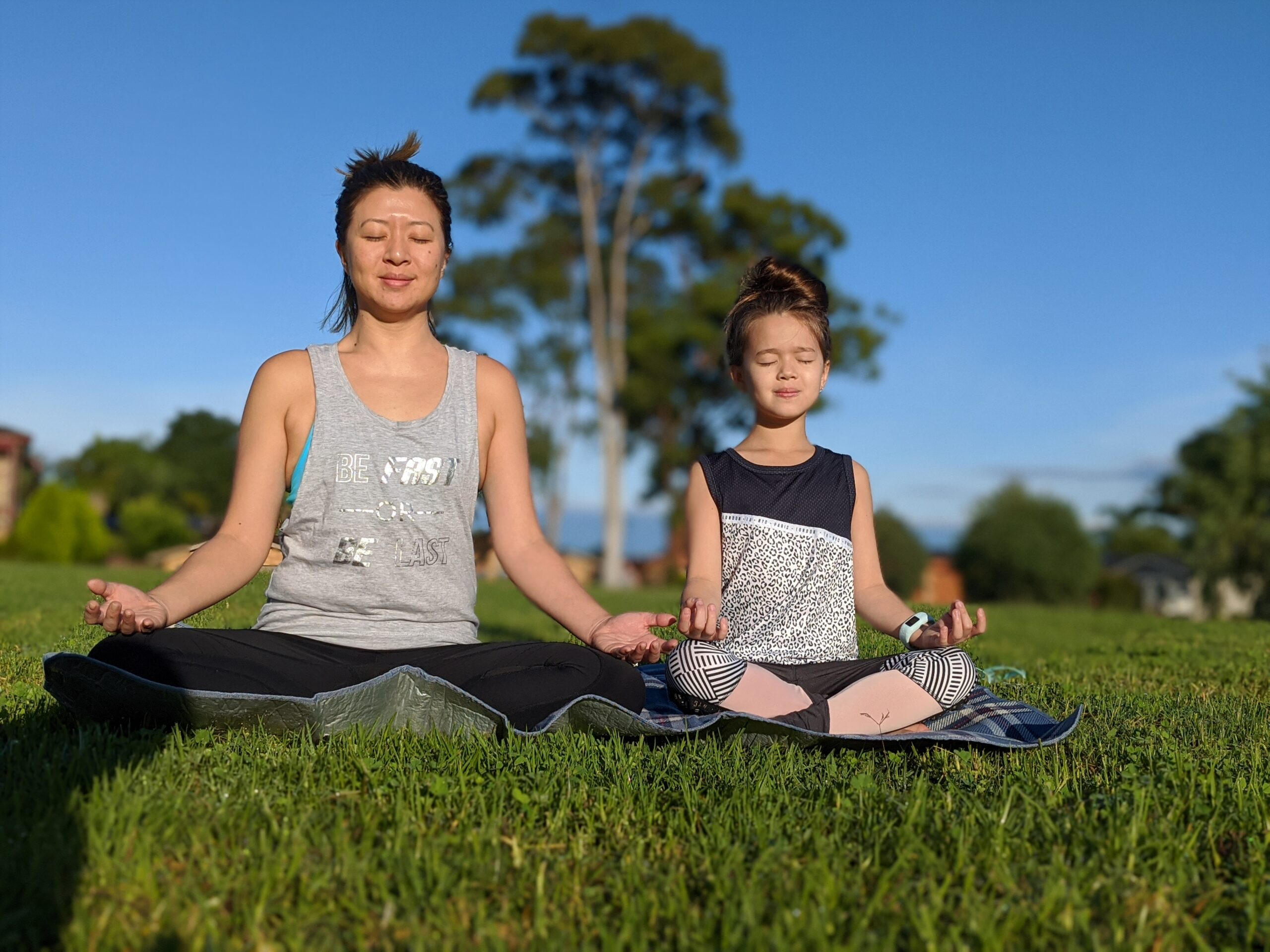 Jessica Melville and daughter yoga